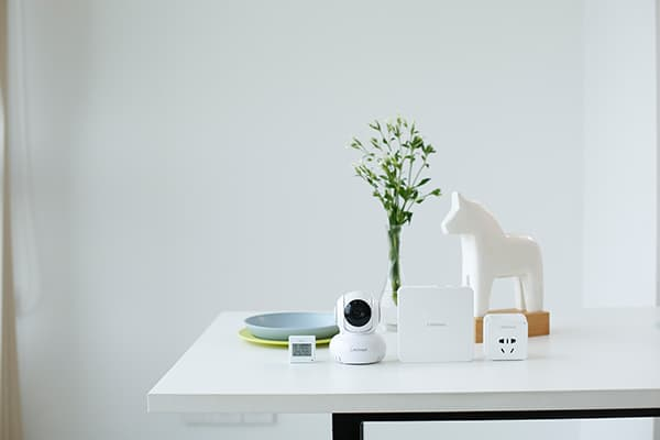 It should be possible to intelligently outfit one's own home and comfortably automate processes with the simple and small products of the LifeSmart brand. The heart of the system is the Central Smart Station. © LifeSmart