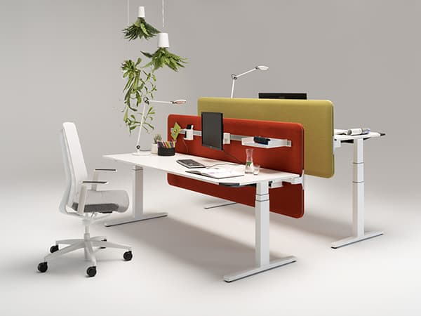 Winea Flow: The control element in a different colour reminds the user to adjust their work height occasionally © WINI