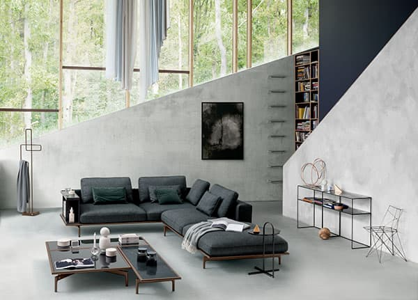 With the Liv sofa system, geometric lines meet casual comfort © Rolf Benz