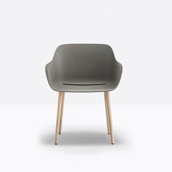 A grey seat shell made from plastic waste distinguishes the