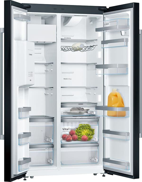 What you can solve by clicking, you do not need in your legs: Thanks to the Home Connect app, you can even look into the fridge from the supermarket. © Bosch Hausgeräte