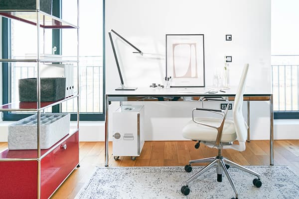With its office furniture leasing, Nuwo equips company employees with ArbSchG-compliant home office furniture. © Claus Morgenstern