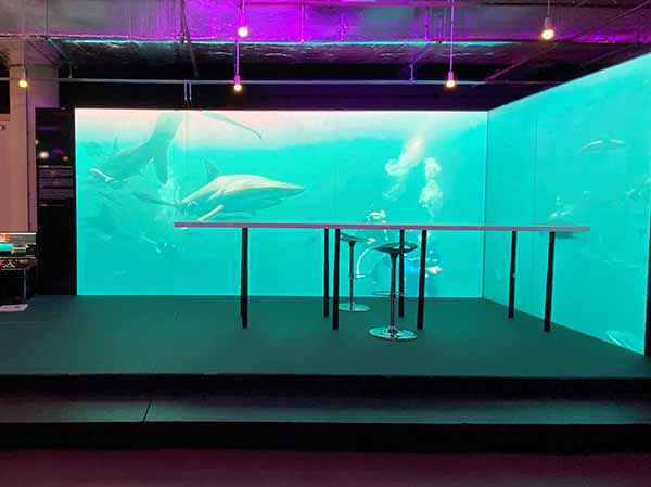 ASB Glassfloor presented its ASB DigitalWallpaper for the first time at the Frame Awards in Amsterdam in February. Using LED technology, any image can be shown on the wall surface. © ASB Glassfloor