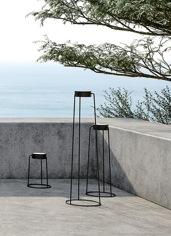 The Moon floor lamp is also available with solar panel © Solpuri