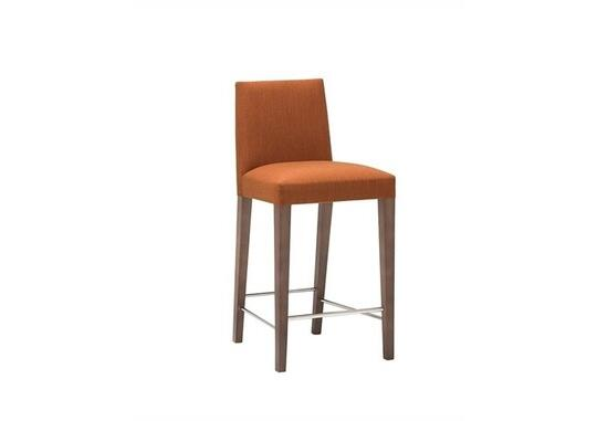 Superb Anna Bq1386 By Andreu World S A Counter Stools Ambista Evergreenethics Interior Chair Design Evergreenethicsorg