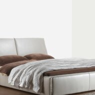 1368 Galileo Leather Bed