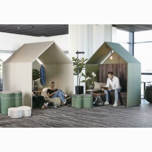 The Hut, sound absorbing