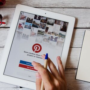 Forty percent of all buyers who purchased furnishing items online in the last six months did so via Pinterest.
