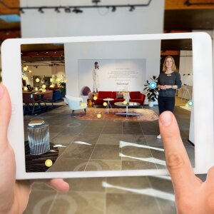 Virtual, but still personal: at BoConcept you can now digitally discover the entire collection and go shopping in a virtual 3D showroom. But the personal shopping experience is not neglected.