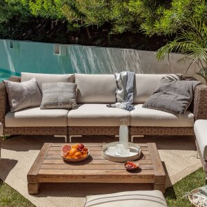 Outer is a California-based direct-to-consumer outdoor living brand whose mission is to reinvent the approach to outdoor furniture.