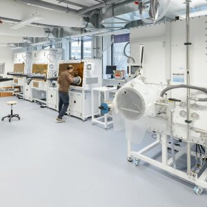 A view into the Helmholtz Innovation Lab HySPRINT. Major work on printable perovskite LEDs was carried out here.