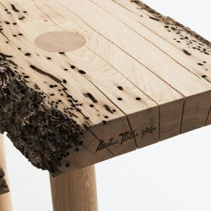 """Oak poles from the Venice lagoon are the raw material for the tables in the """"Briccole"""" collection."""